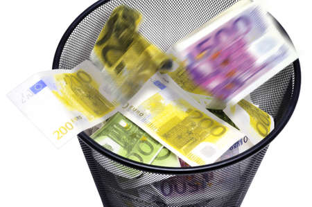 To throw its money with the dustbin by error or ignorance in the business