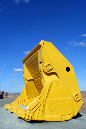 mechanical shovel with the goldmine of Kalgoorlie to show to the tourist the real size of the machine photo