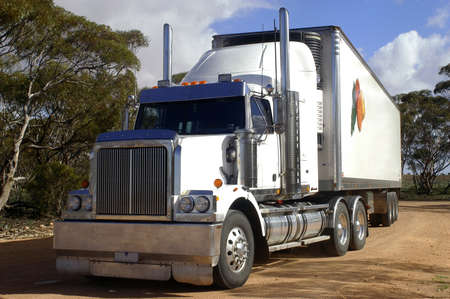 australian outback: road transport in Australia