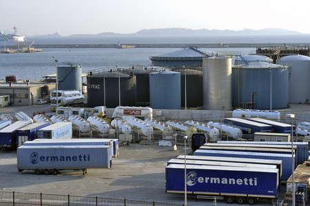 Industrie auf das Tragen von Marseille