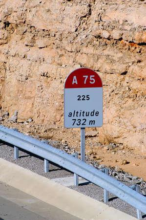 kilometraje: kilometraje autopista Foto de archivo