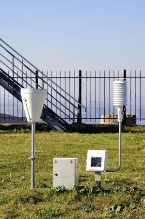 anemometer: Weather installation of equipment to the Aigoual Mount