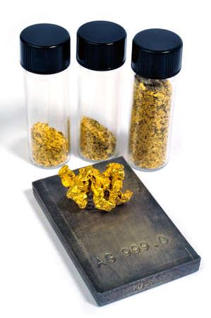 prospector: pepitas de oro y plata en lingotes