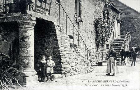 old postcard: old postcard of Roche-Bernard
