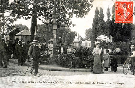 merchant: old postcard of Joinville, the banks of the Marne, merchant wildflowers.
