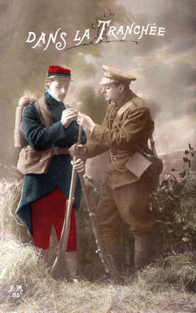 trenches: old postcard of the War of 1914 - Two French and English soldiers in the trenches
