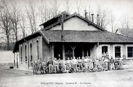 barrack: old French military postcard - Bar-le-Duc in the department of Meuse - barrack M - The kitchen