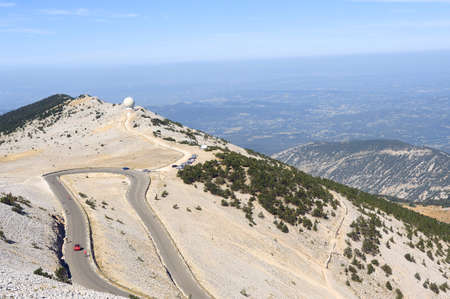 vaucluse: Radar Mount Ventoux protecting protective airspace