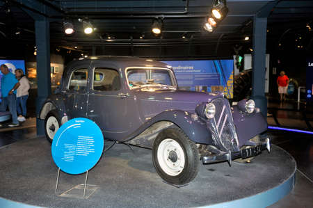 deze Citroën voorwielaandrijving werd door Michelin gebruikt als testlaboratorium voor de banden van het merk