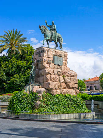 conqueror: King Jaime the conqueror statue in the Plaza Espanyol Palma Spain