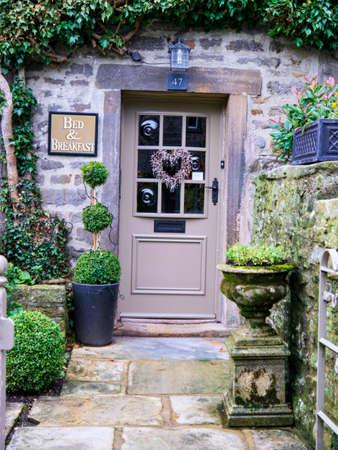 wharfedale: Uno de los muchos hermosos hostales y pensiones en Grassington Yorkshire Editorial