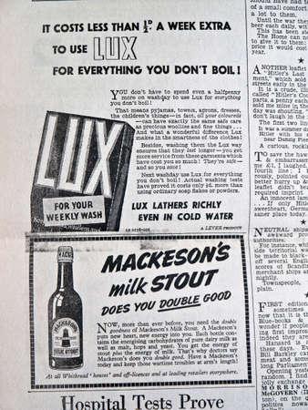 cerveza negra: 1940 stout Mackesons Lux jabon en polvo leche anuncio de peri�dico Editorial