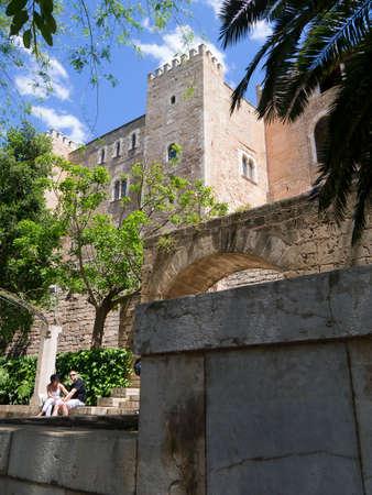 paredes exteriores: Las paredes exteriores del Palacio de la Almudaina en Palma de Mallorca Espa�a Editorial
