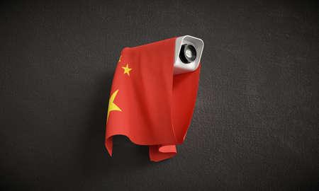 Vigilancia nacional. Cámara de seguridad con la bandera de China. Foto de archivo