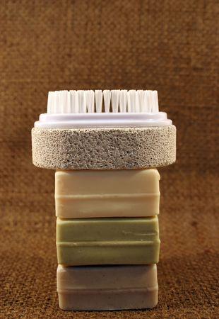 Natural farbige Seifen und Nagelb�rste mit Bimsstein