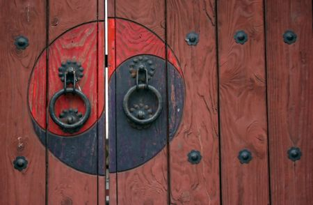 buddhist structures: Traditional Korean door