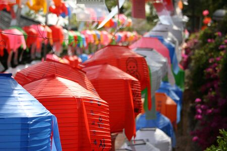 Laternen auf Bongeunsa Tempel in Vorbereitung f�r Buddhas Geburtstag am 5. Mai, Seoul, S�dkorea