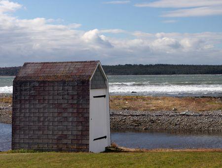 holiday home: Casa de garaje en la playa, Nova Scotia, Canad� Foto de archivo