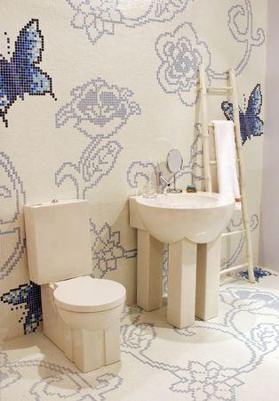 Badezimmer in einem modernen Haus - home Innenr�ume  Lizenzfreie Bilder