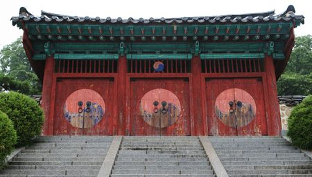 Entrance to a South Korean temple in Jeonju - travel and tourism. Stock Photo - 1269541