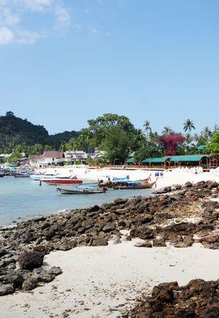 phi phi island: Phi Phi Island, Thailand - travel and tourism.