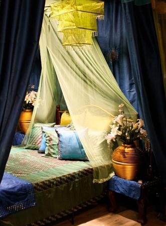 interni casa: Camera da letto in una casa moderna - interni casa.