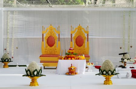 Luxuus setting at a traditional Indian wedding. Stock Photo - 5880653