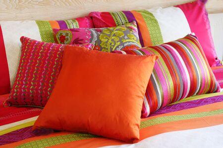 Sypialnia w nowoczesnych dom - domowej wnętrzami.  Zdjęcie Seryjne