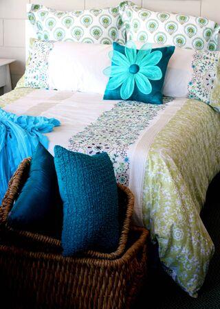 interni casa: Camera da letto in una casa moderna - abitazioni private.