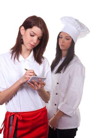 Service und kochen zusammen, um das Men�