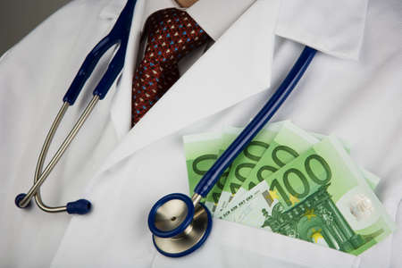 bribes: Physician notes and Stehoskop. Image for medical expenses.