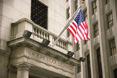 new york stock exchange: USA, New York, Wall Street, Stock Exchange. Immagine di esempio per magazzino e azioni Editoriali