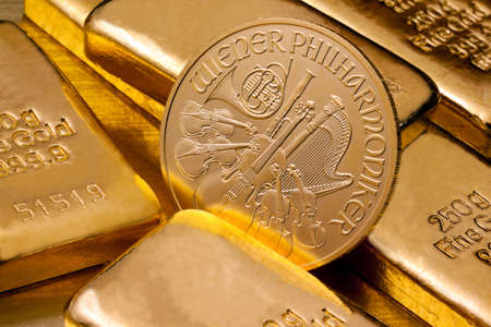 gold treasure: Investment in real gold than gold bullion and gold coins. Feingold. Stock Photo