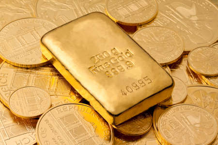 fine gold: Investment in real gold than gold bullion and gold coins. Feingold. Stock Photo
