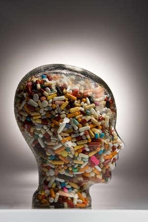 generic drugs: Molte diverse tavolette e medicinali in una ciotola Archivio Fotografico