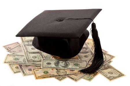 doctoral: Mortaio e dollari. Simbolo per i costi di formazione in America.