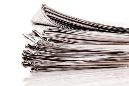 periodicos: Viejos peri�dicos y revistas en una pila