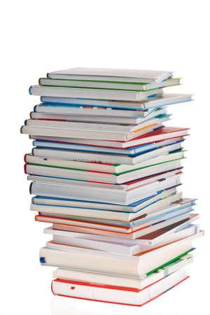 pile of books: Pila di libri. Sfondo orfano isolato e coibentato