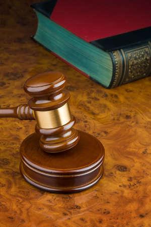 bidding: Court Hammer