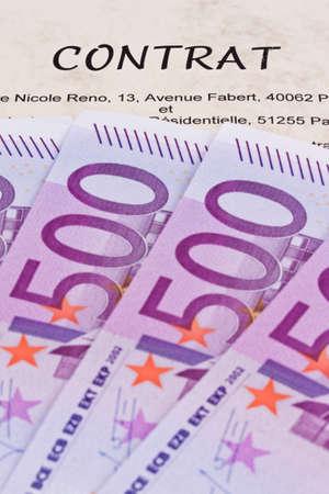 billets euros: Beaucoup de billets en euros et de contrat (en fran�ais) Banque d'images