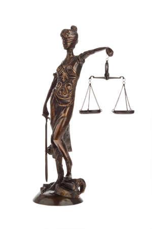 justitia: Una figura de justicia con escalas. Ley y justicia