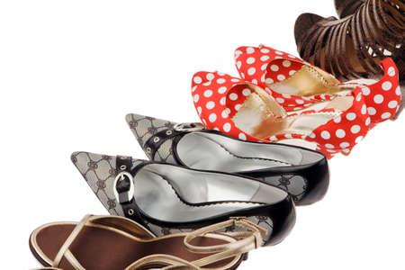 tienda de zapatos: Muchos zapatos diferentes para las mujeres. Elegantes y sexys tacones altos.