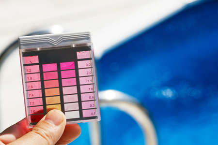ph: The chlorine content and pH are measured. Clean water in the pool