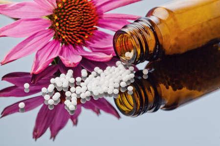 glóbulos en el tratamiento de enfermedades en la medicina suave, alternativa. comprimidos y medicamentos.