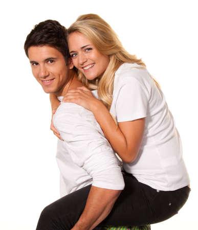 joie: eines l�chelnden jungen Paar hat Spa� und Freude.
