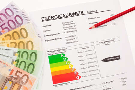 ordenanza: la certificaci�n para una sola familia, Austria. billetes y pluma roja