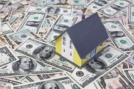 single familiy: una casa se encuentra en muchos proyectos de ley d�lares americanos