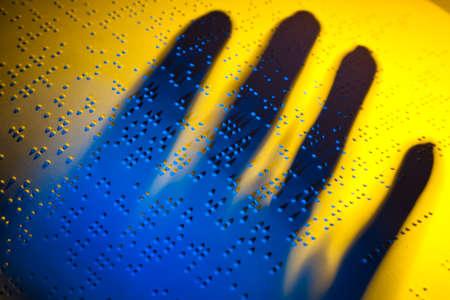 braile: un libro escrito en braille braille para los ciegos