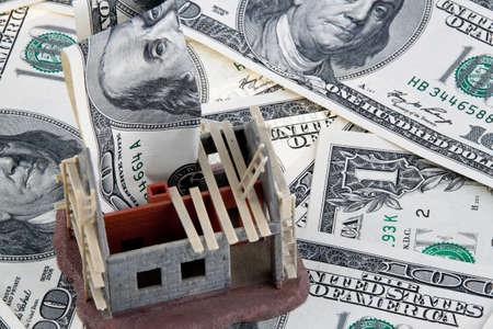 single familiy: una financiaci�n casa shell con billetes de un d�lar