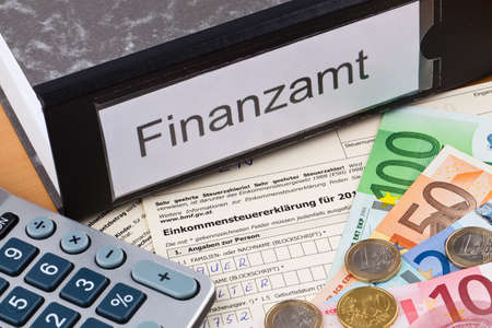 an austrian tax return for income tax is mandatory  photo